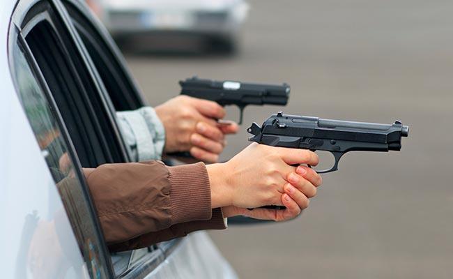Jesenické příhraničí ohroženo nájezdy ozbrojených lupičů aut z Polska!? Policie ujišťuje, že žádné nebezpečí nehrozí