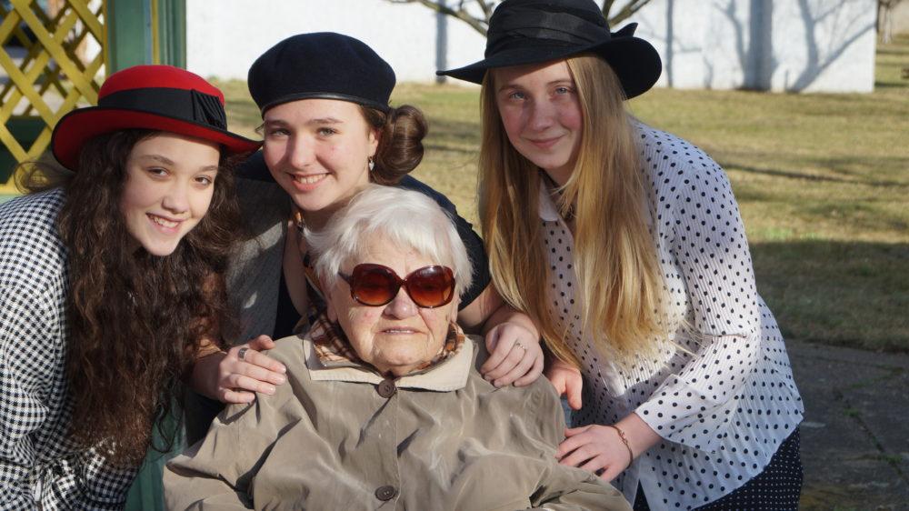 Žáci z Jesenicka zachytili příběhy svých sousedů a představí je veřejnosti