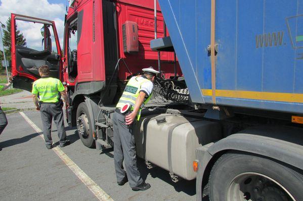 Na kontrolu nákladních vozidel se zaměřili jeseničtí policisté