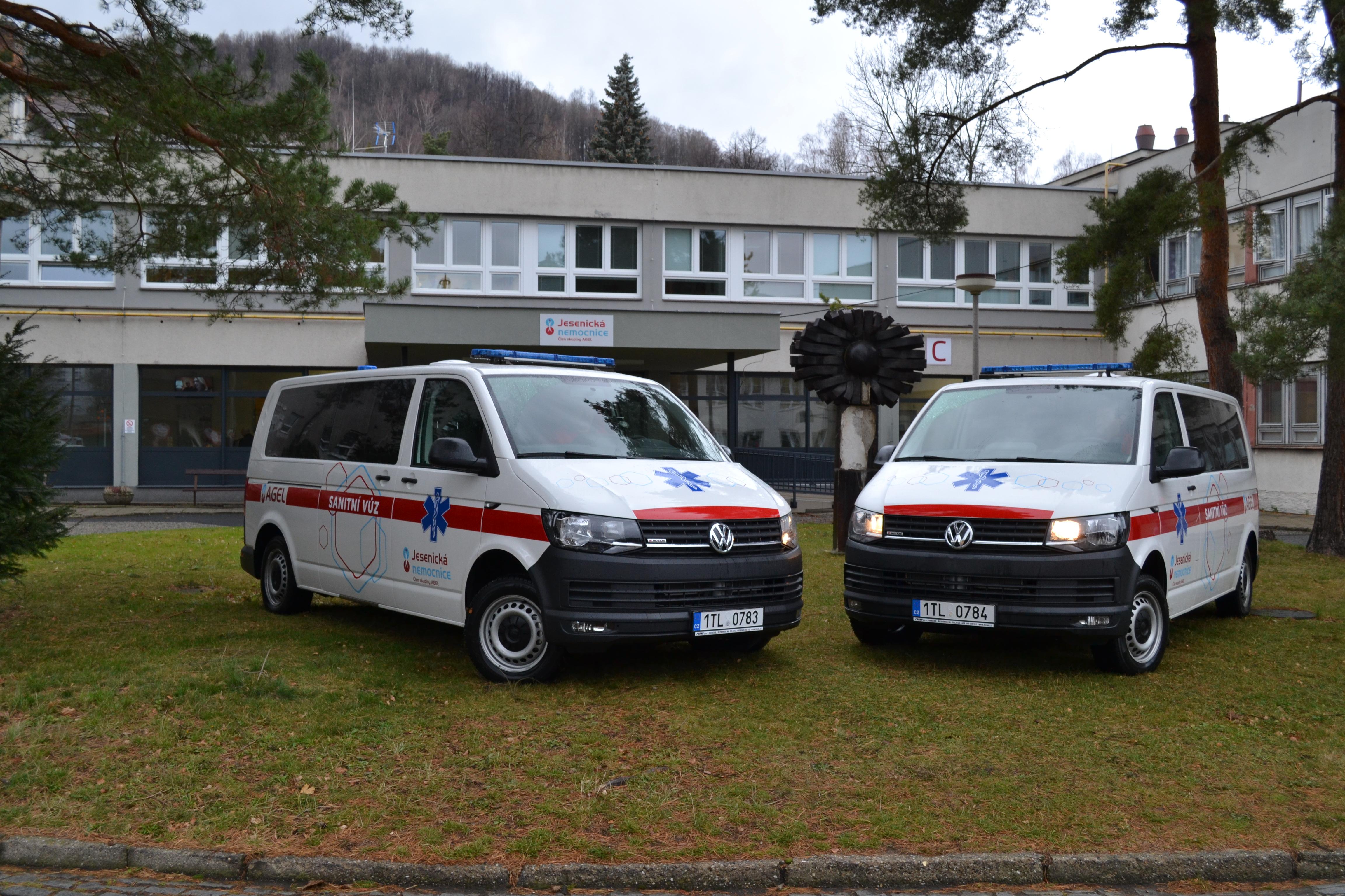 Jesenická nemocnice zakoupila dvě nové sanitky
