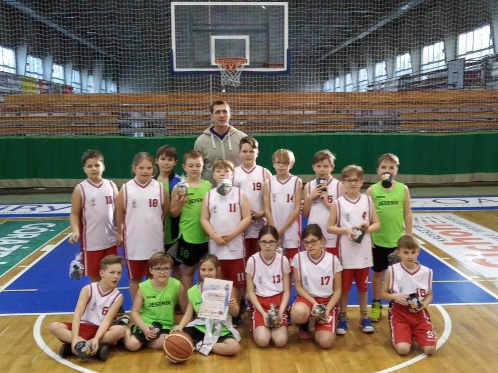 Zahraniční premiéra mladých basketbalistů