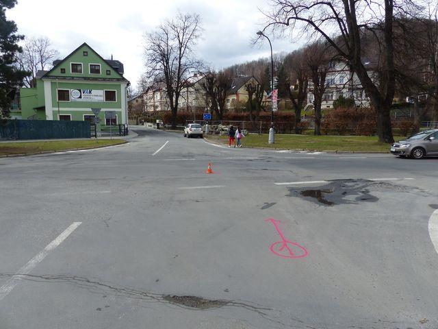 Jeseničtí policisté žádají o pomoc občany při objasnění dopravní nehody cyklistky