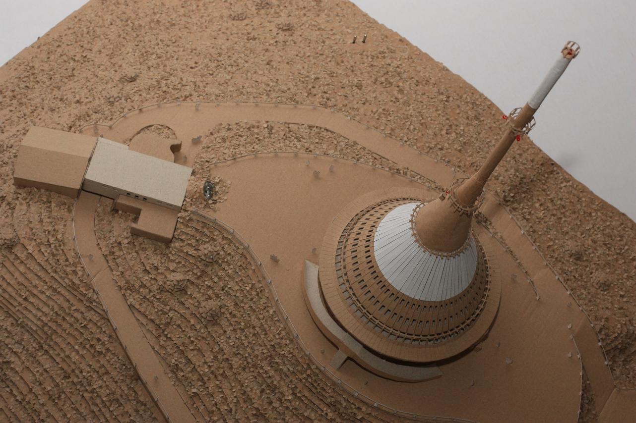 Studenti zJeseníku staví přehradu zvlnité lepenky